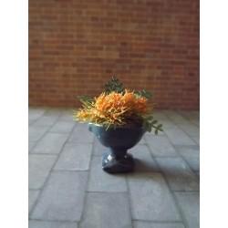 Jardinière bleue avec fleurs, modèle 2