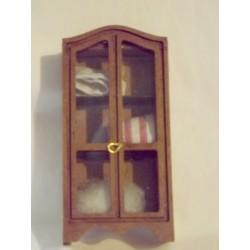 Armoire vitrée avec linge