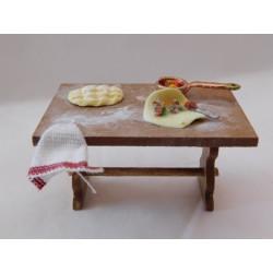 Table de cuisine garnie, modèle f.  3,2cm de haut