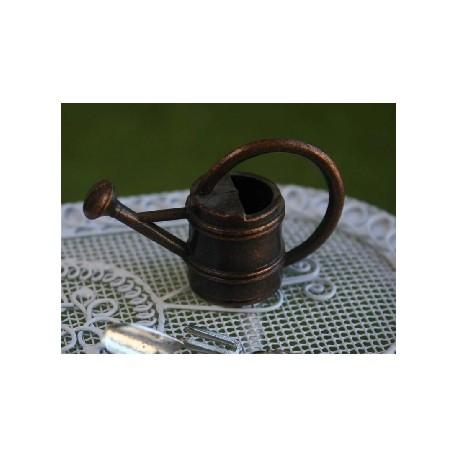 Arrosoir marron en métal 2,5cm de haut
