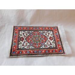 Petit tapis,modèle 2 :  8,5cm de long