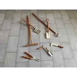 Ensemble d'outiils de jardin en métal au 1/24ème
