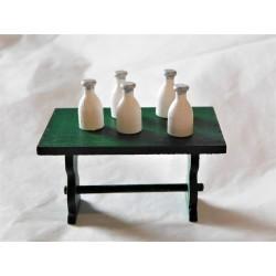 Bouteille de lait, 1,6cm de haut (vendue à l'unité)