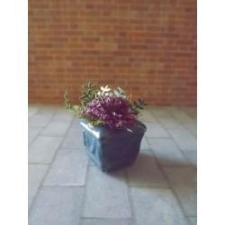 Jardinière bleue avec fleurs, modèle 3